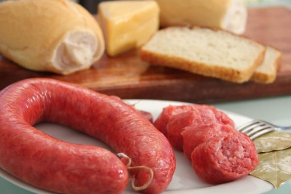 Linguiça de carne suína defumada - Pura
